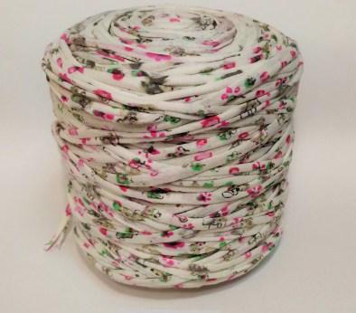 Молочная с розовыми цветочками (пестрая) / код 0006