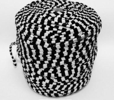 Черная - белая (пестрая) / код 8007