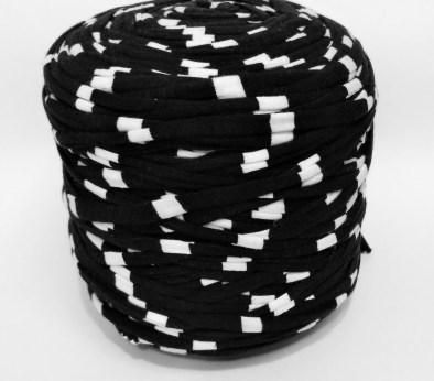 Черная - белая (пестрая) / код 8002